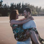 Vợ/chồng là người nước ngoài thường có nhu cầu cấp thẻ thường trú